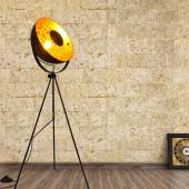 Lámpara de pie vintage industrial con trípode foto